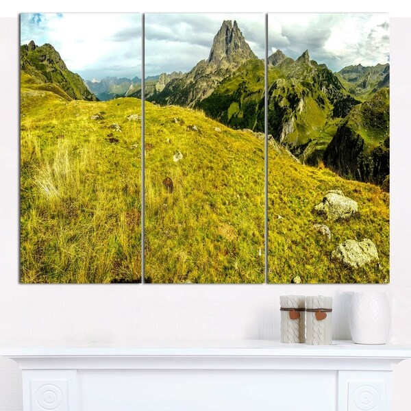 Designart \'Bright Green Mountain Panorama\' Landscape Canvas Wall ...