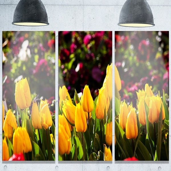Designart \'Beautiful Yellow Tulips Garden\' Large Flower Metal Wall ...
