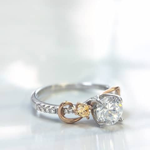 Lihara and Co. 18k White and Yellow Gold engagement ring with 1/4 ct TDW White and Fancy Colored Diamonds. (G-H, VS1-VS2)