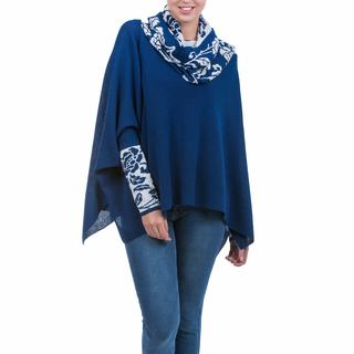Handmade Alpaca 'Blue Roses' Poncho With Sleeves (Peru)