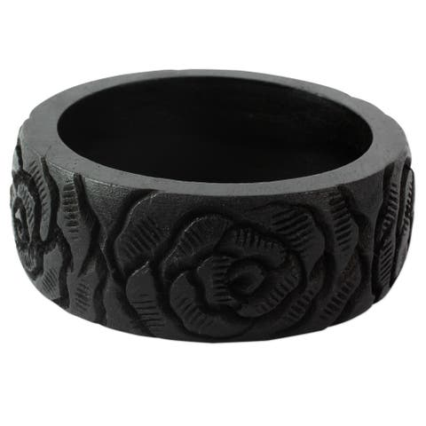 "Handmade Mango Wood 'Black Rose Blossom' Bracelet (India) - 7'6"" x 9'6"""