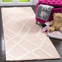 Safavieh Handmade Safavieh Kids Pink/ Ivory Wool Rug - 2'6 x 8'