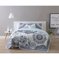 VCNY Home Kaya Reversible Quilt Set