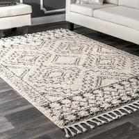 "nuLOOM Off-White Soft and Plush Moroccan Tribal Geometric Shag Tassel Area Rug - 7'1""0"" x 10'"