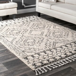 nuLOOM Off-White Soft and Plush Moroccan Tribal Geometric Shag Tassel Area Rug - 7'10 x 10'