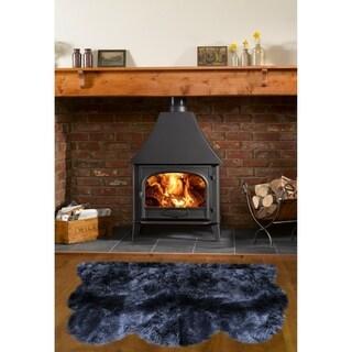 Dynasty Natural Luxury Black Long Wool Sheepskin 3-pelt Shag Rug (3' x 4'6)