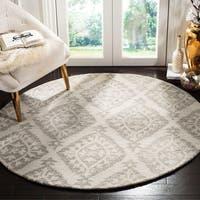 Safavieh Handmade Micro-loop Light Grey Wool Rug - 5' x 5' round