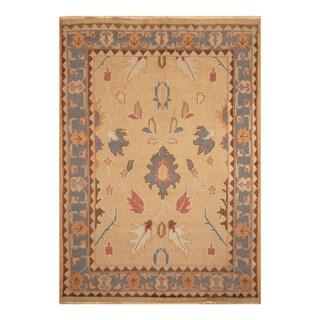 Handmade Wool Rug (India) - 6'1 x 8'7