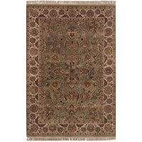 eCarpetGallery Hand-Knotted Sultanabad Green  Wool Rug (4'0 x 6'0)