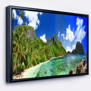 Designart 'Tropical Scenery' Landscape Photography Framed Canvas Art Print