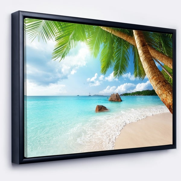 Designart 'Praslin Island Seychelles Beach' Seashore Photo Framed Canvas Print