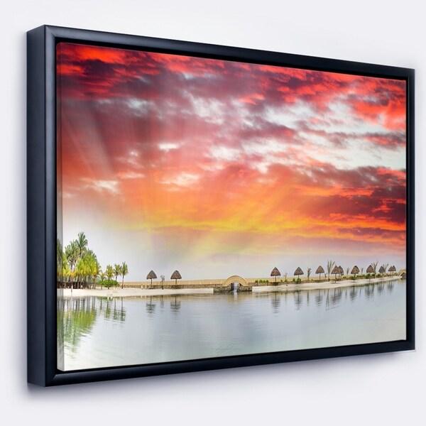 Designart 'Roatan Beach Sunset Panorama' Seashore Photo Framed Canvas Art Print