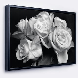 Designart 'Bunch of Roses Black and White' Floral Art Framed Canvas Print