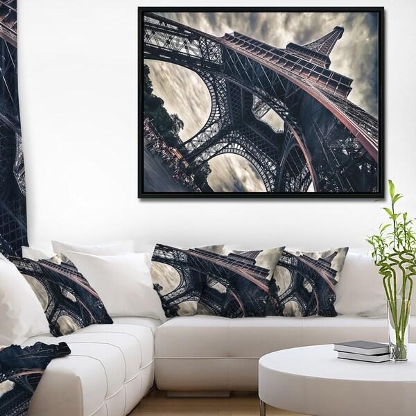 Designart 'Paris Paris Eiffel Towerin Grungy Dramatic Style' Cityscape Framed Canvas Print