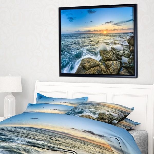 Designart 'Rocky Coogee Beach in Sydney' Large Seashore Framed Canvas Print