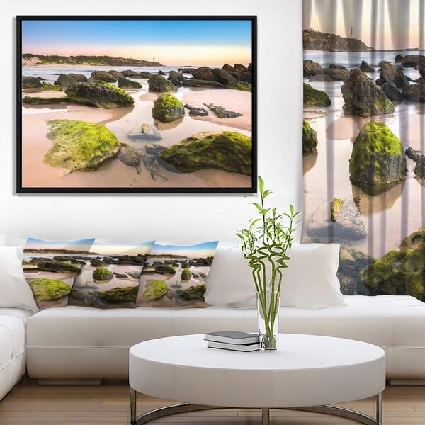 Designart 'Amazing Landscape at Noraha Head' Large Seashore Framed Canvas Print