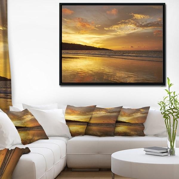 Designart 'Amazing Beach with Beautiful Breaking Waves' Modern Beach Framed Canvas Art Print
