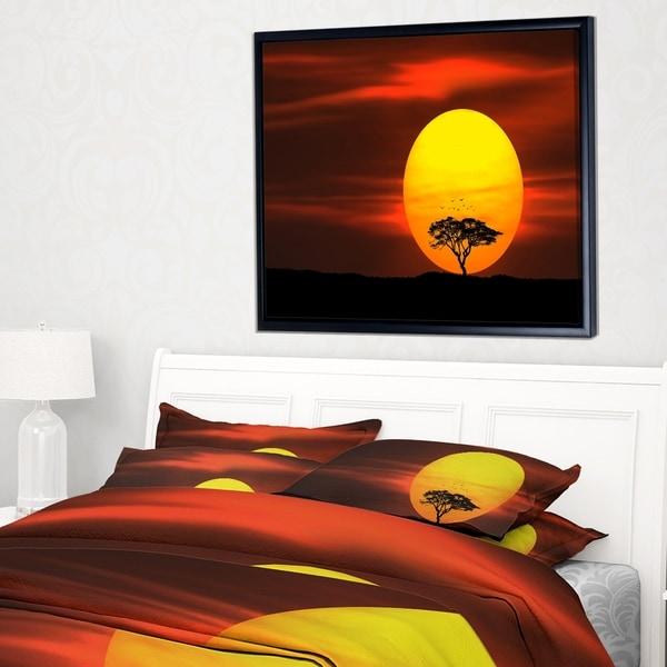 Designart 'Lonely Tree with Birds at Sunset' Landscape Framed Canvas Art