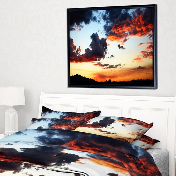 Designart 'Blazing Sky with Clouds Panorama' Extra Large Seascape Art Framed Canvas