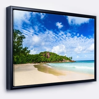 Designart 'Seychelles Tranquil Tropical Beach' Modern Seascape Framed Canvas Artwork