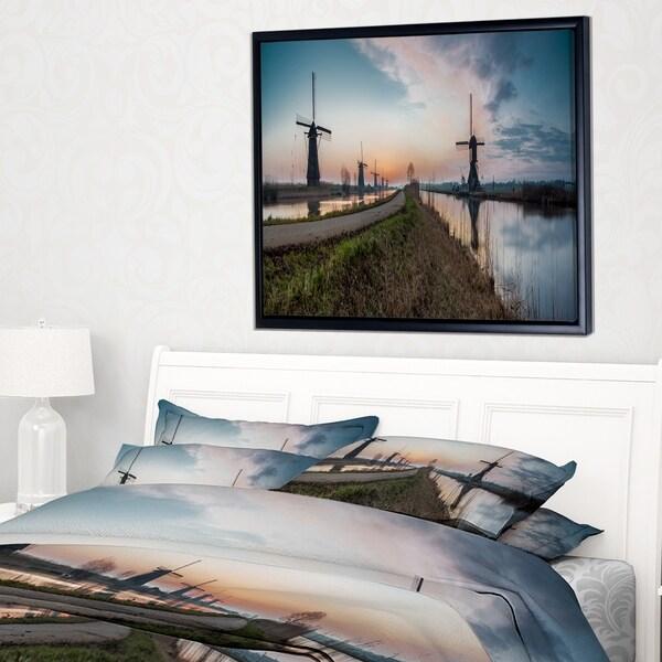 Shop Designart \'Kinderijk Holland Panorama\' Landscape Artwork Framed ...
