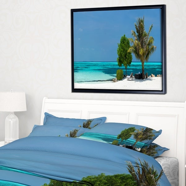 Designart 'Beach with White Sand and Turquoise Water' Modern Seascape Framed Canvas Artwork