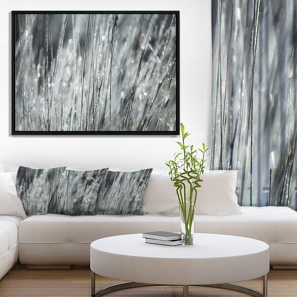 Designart X27 Raindrops On Gr Black White Oversized Landscape Framed