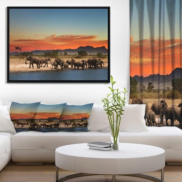 Designart 'Discontinued product' African Landscape Framed Canvas Art Print