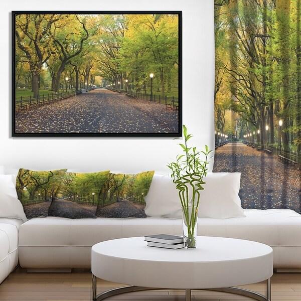 Designart 'The Mall Area in Central Park' Large Landscape Framed Canvas Art