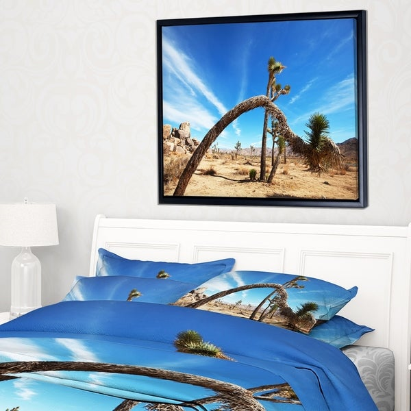 Designart 'Curved Joshua Tree in Desert' Landscape Wall Art on Framed Canvas
