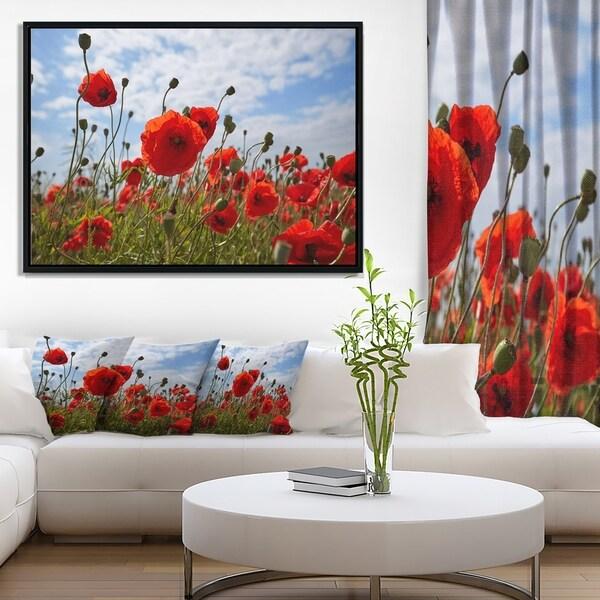 Designart 'Bright Red Poppy Flowers Photo' Flower Artwork on Framed Canvas
