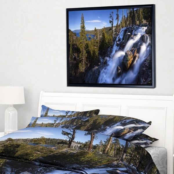 Designart 'Eagle Falls Emerald Bay Lake Tahoe' Landscape Framed Canvas Art Print