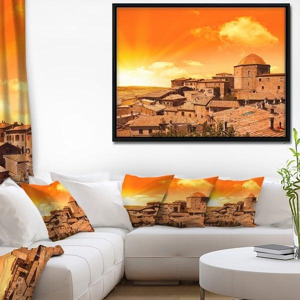 Designart 'Wonderful Italy Tuscany Hill at Dawn' Extra Large Framed Canvas Art Print