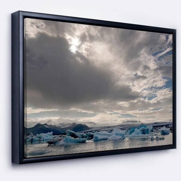 Designart 'Ice of Jokulsarlon Lagoon' Landscape Framed Canvas Art Print