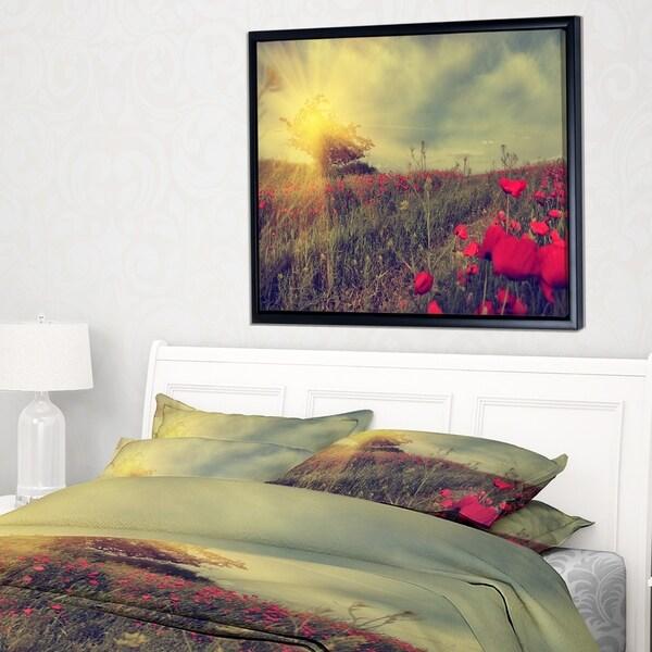 Designart 'Vintage Photo of Poppies at Sunset' Large Floral Framed Canvas Art Print