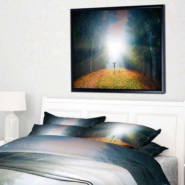 Designart 'Men and Bright Sunlight Panorama' Landscape Framed Canvas Art Print