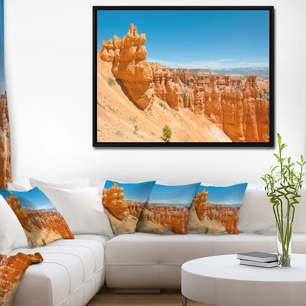 Designart 'Beautiful Bryce Canyon' Landscape Framed Canvas Art Print