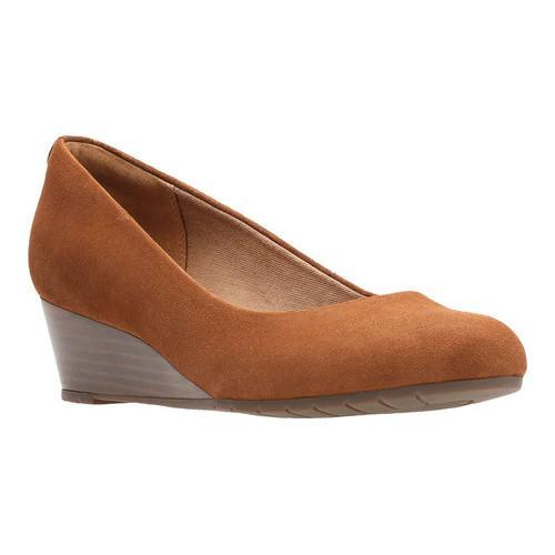 0d646160e2c9 Shop Women s Clarks Vendra Bloom Wedge Tan Suede - Free Shipping Today -  Overstock - 16979900