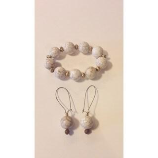 Handmade Magnesite Gemstone Bracelet and Earring Set (USA)