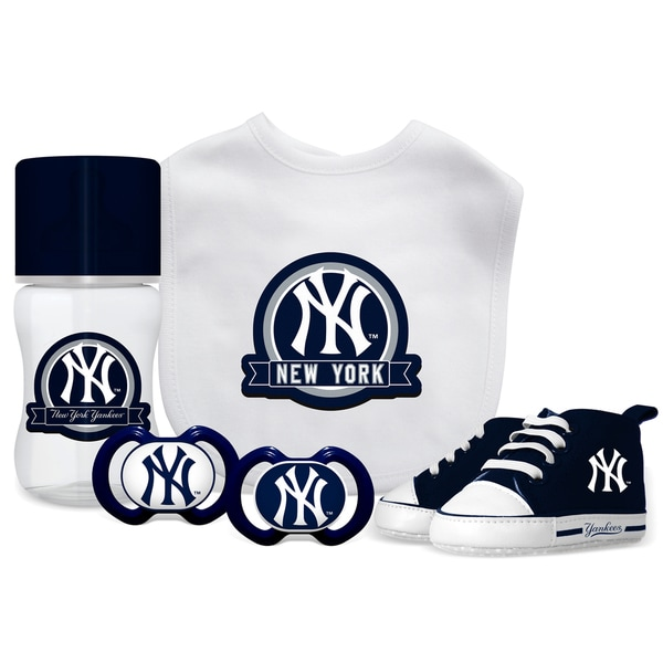 Shop New York Yankees MLB 5 Pc Infant Gift Set - Free Shipping On Orders Over $45 - Overstock - 19267307