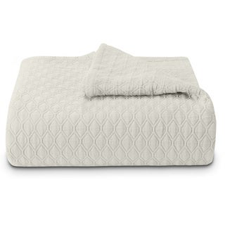 Vera Wang Puckered Diamond Matelasse Ivory Coverlet