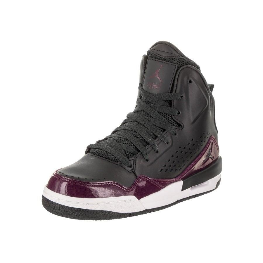 Nike Jordan Kids Jordan SC-3 BG Basketball Shoe (5), Boy'...