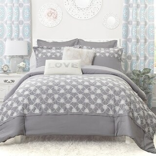 DriftAway 3 Piece Kaylee Embroidered floral Comforter Set