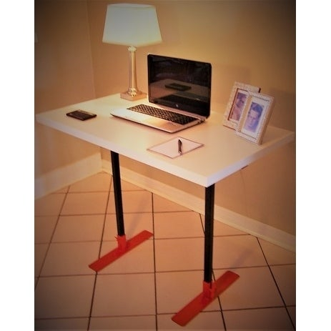 Expandable portable desk in a bag, assembles in minutes! - Free ...