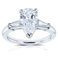Van Cleef Platinum GIA Certified 2 1/10ct TDW Flawless Pear Brilliant Diamond 3-Stone Ring (D, Internally Flawless)(D, VVS)