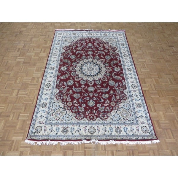 Hand Tufted Traditional Oriental Red Wool Rug With Non: Shop Hand Knotted Red Nain With Wool & Silk Oriental Rug