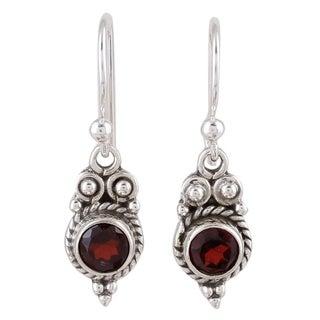 Handmade Sterling Silver 'Sunset Ropes' Garnet Earrings (India)