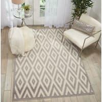 Nourison Grafix White/Grey Diamond Area Rug (7'10 x 9'10)