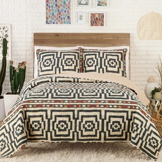 Makers Collective Hypnotic Quilt Set
