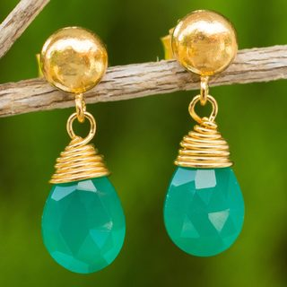 Handmade Gold Overlay 'Verdant Sunrise' Chalcedony Earrings (Thailand)